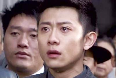 男人的眼泪,伤痛的心表情图片